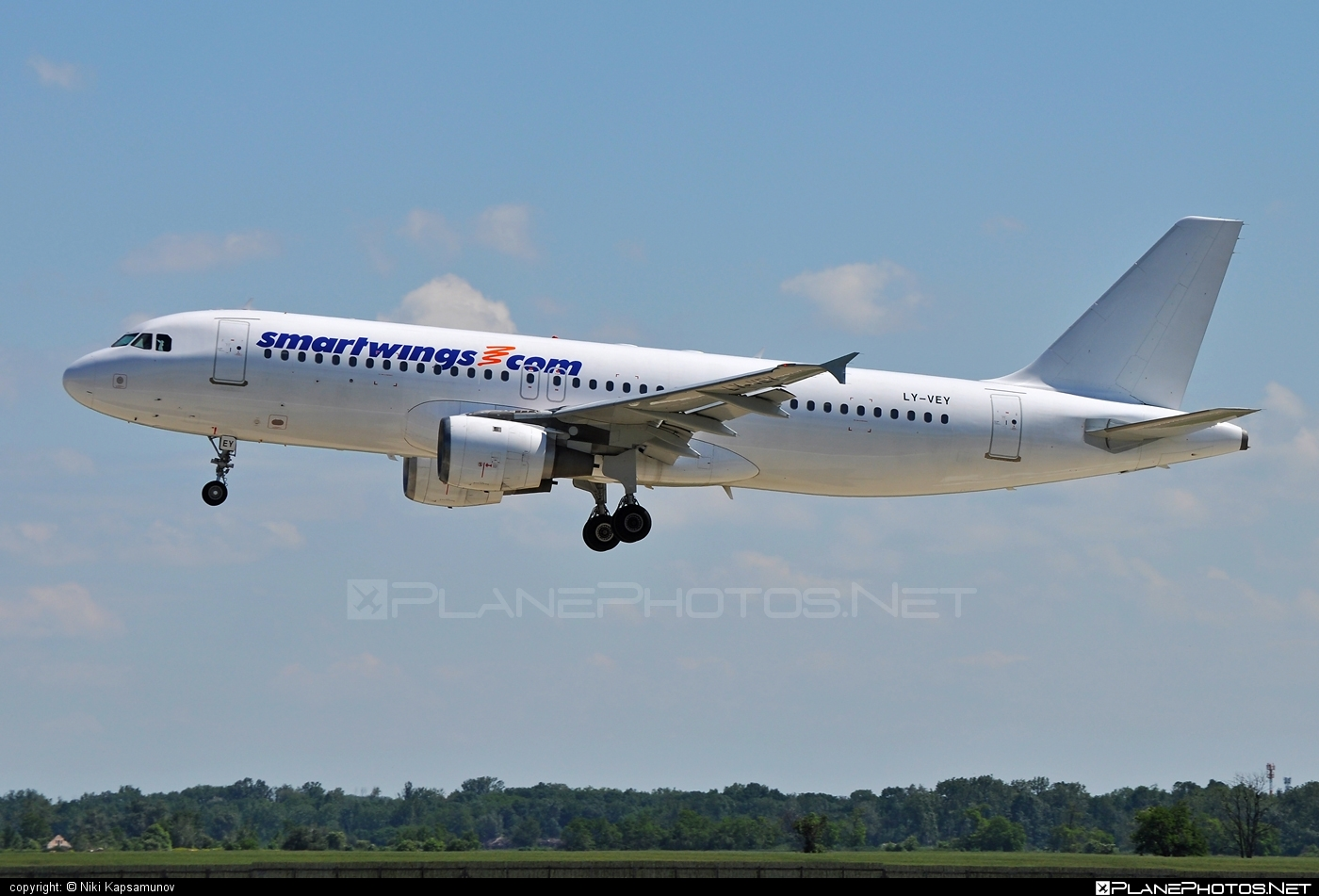 Airbus A320-212 - LY-VEY operated by Smart Wings #a320 #a320family #airbus #airbus320 #smartwings
