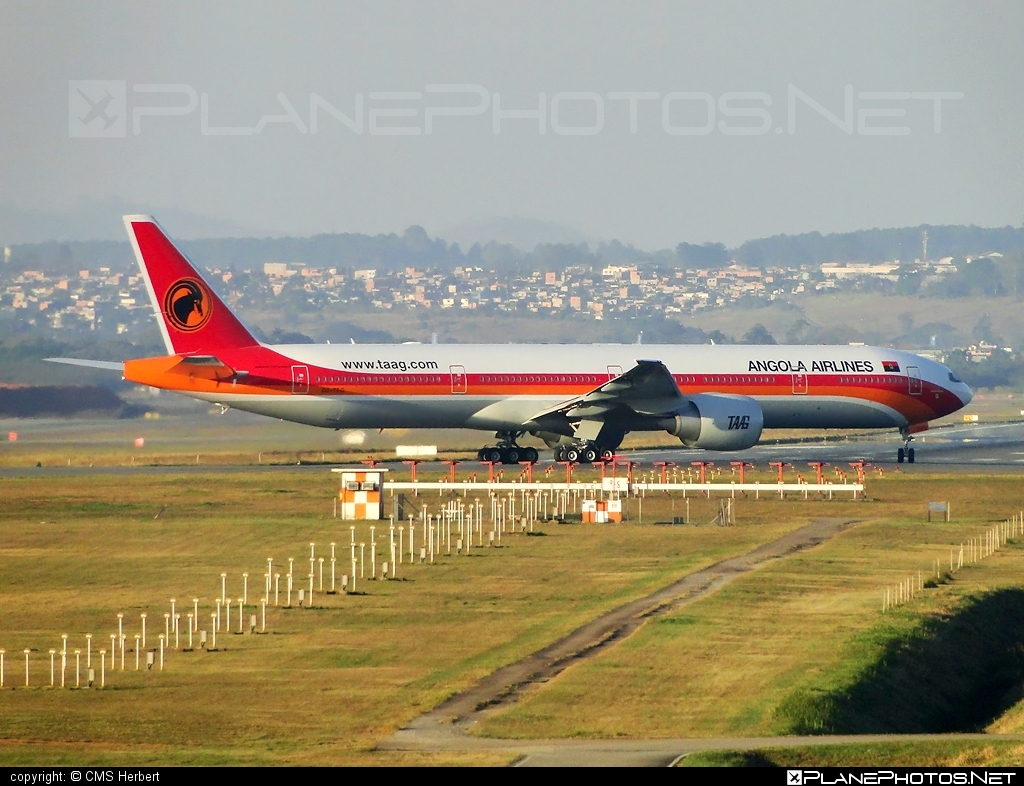 Boeing 777-300ER - D2-TEG operated by TAAG Linhas Aéreas de Angola #b777 #b777er #boeing #boeing777 #tripleseven