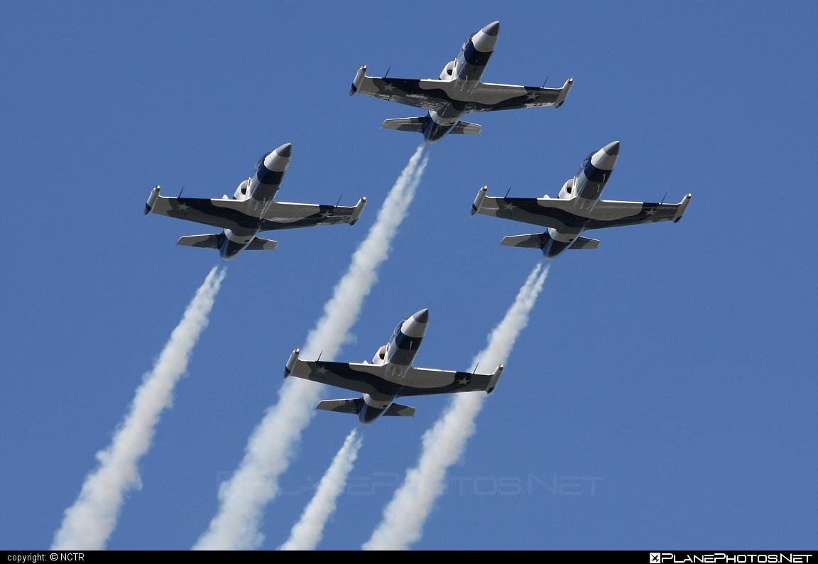 Aero L-39C Albatros - N136EM operated by Heavy Metal Jet Team #aero #aerol39 #aerol39albatros #aerol39calbatros #albatros #l39 #l39c #l39calbatros