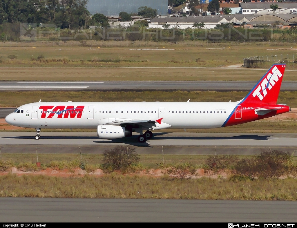 Airbus A321-231 - PT-MXA operated by TAM Linhas Aéreas #a320family #a321 #airbus #airbus321 #tam #tamairlines #tamlinhasaereas