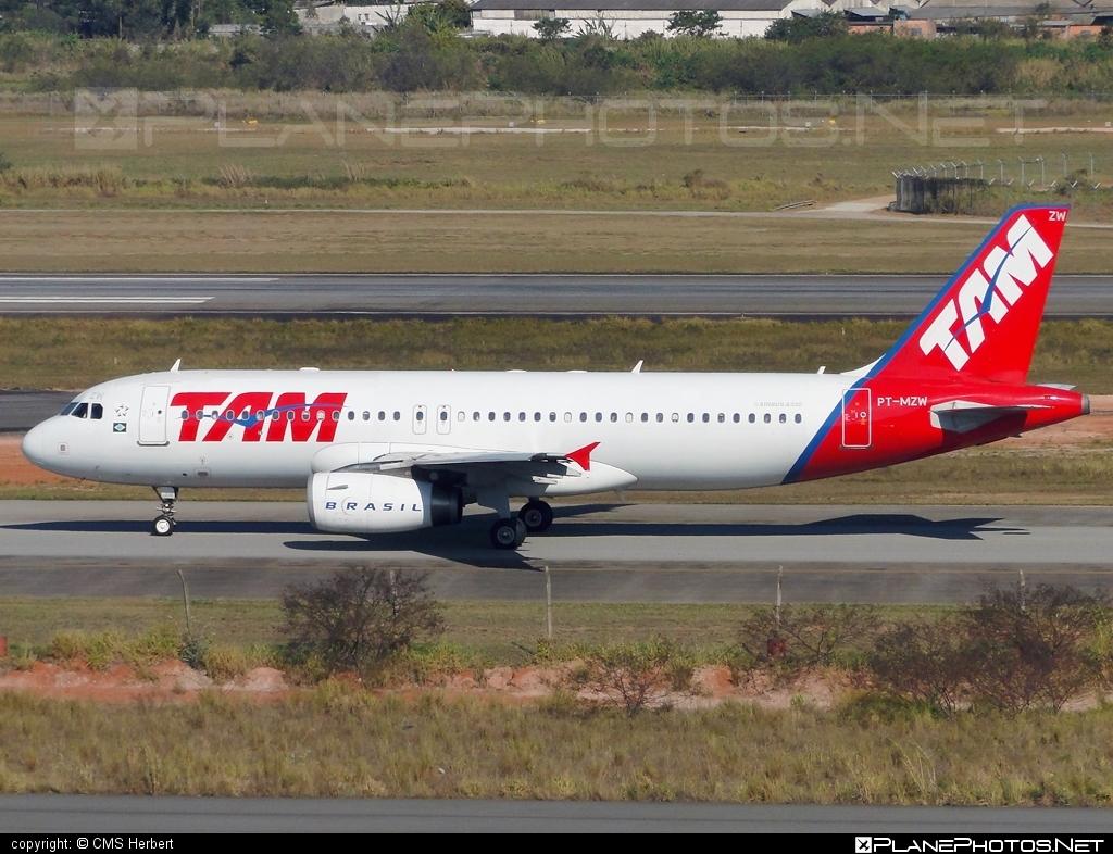 Airbus A320-232 - PT-MZW operated by TAM Linhas Aéreas #a320 #a320family #airbus #airbus320 #tam #tamairlines #tamlinhasaereas