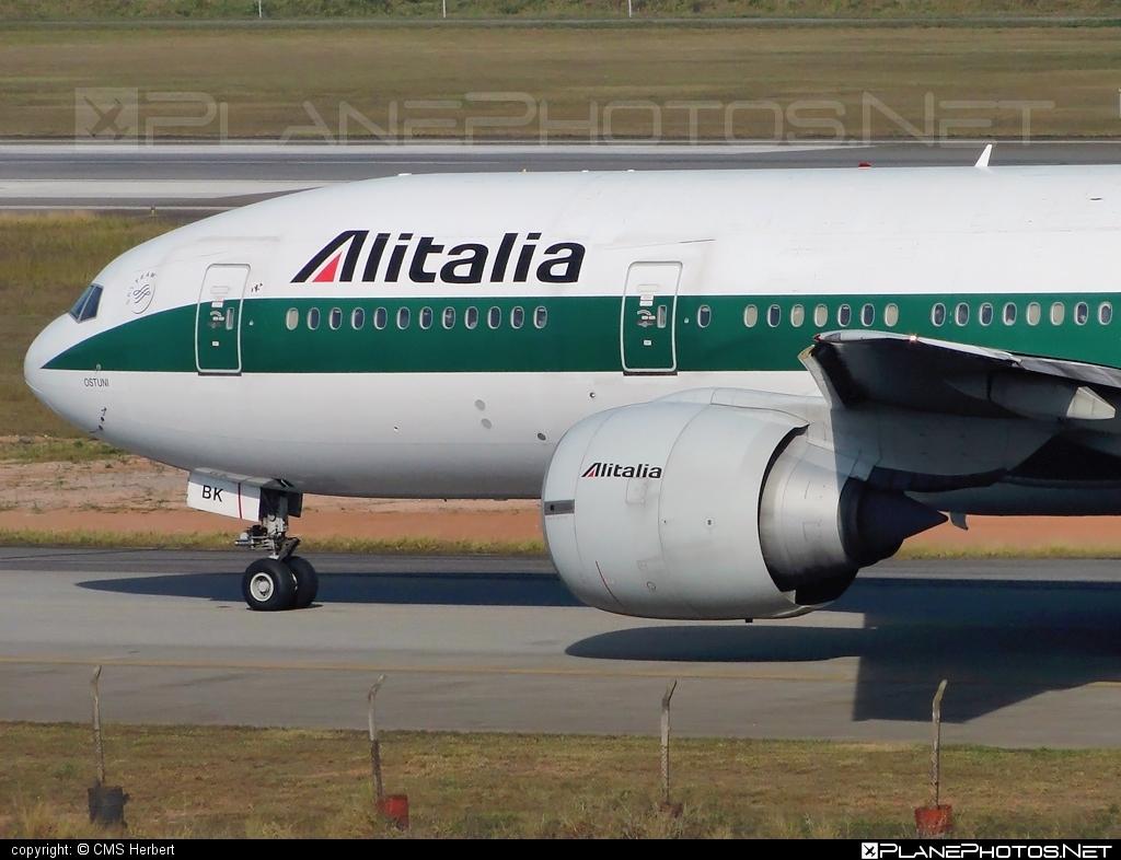Boeing 777-200ER - EI-DBK operated by Alitalia #alitalia #b777 #b777er #boeing #boeing777 #tripleseven