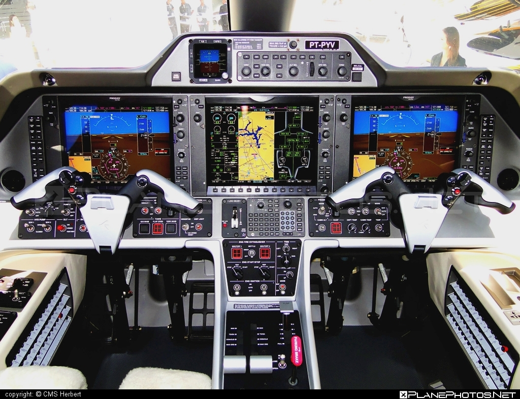 Embraer Phenom 300 (EMB-505) - PT-PYV operated by Embraer #emb505 #embraer #embraer505 #embraerphenom #embraerphenom300 #phenom300