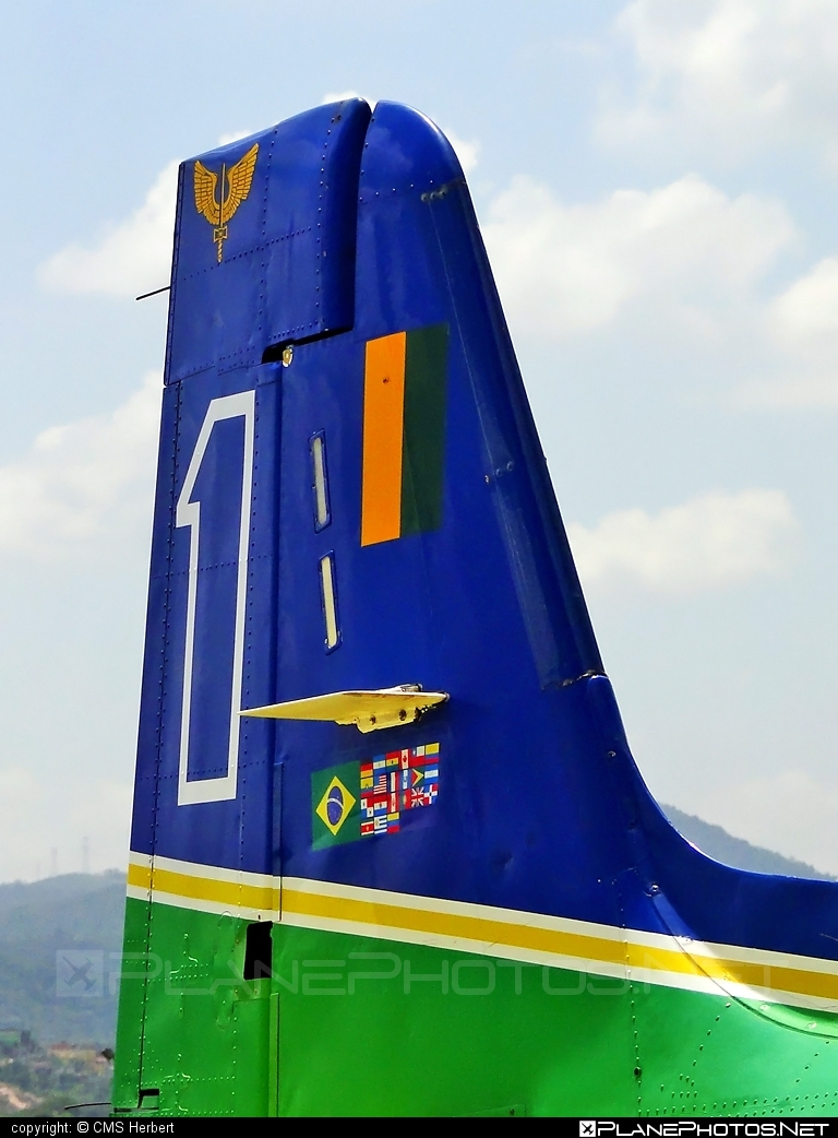 Embraer T-27 Tucano - FAB1327 operated by Força Aérea Brasileira (Brazilian Air Force) #embraer #tucano