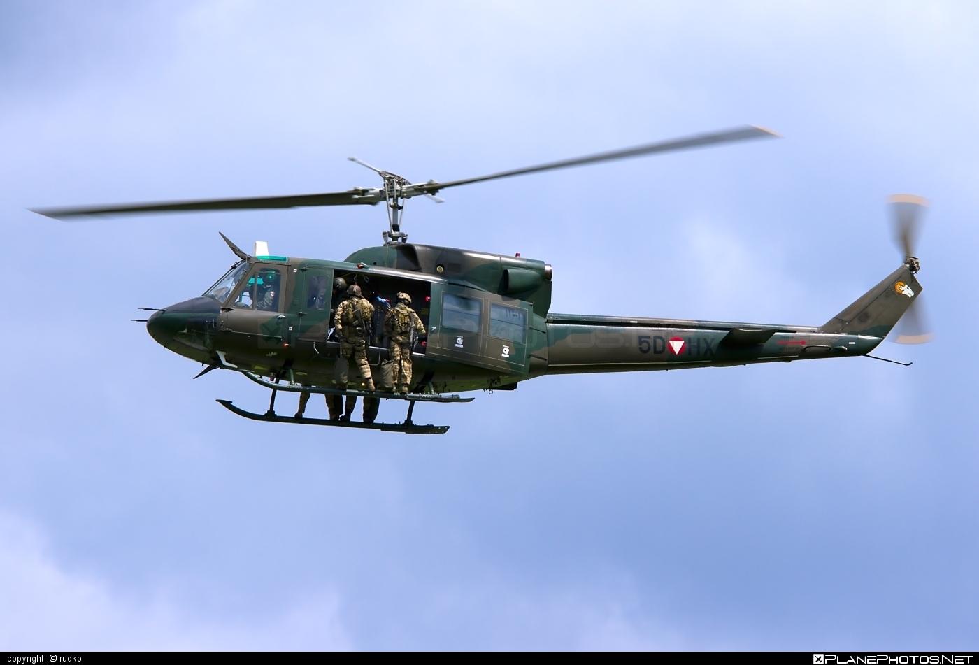 Österreichische Luftstreitkräfte (Austrian Air Force) Agusta Bell AB-212 - 5D-HX #agustabell #austrianairforce
