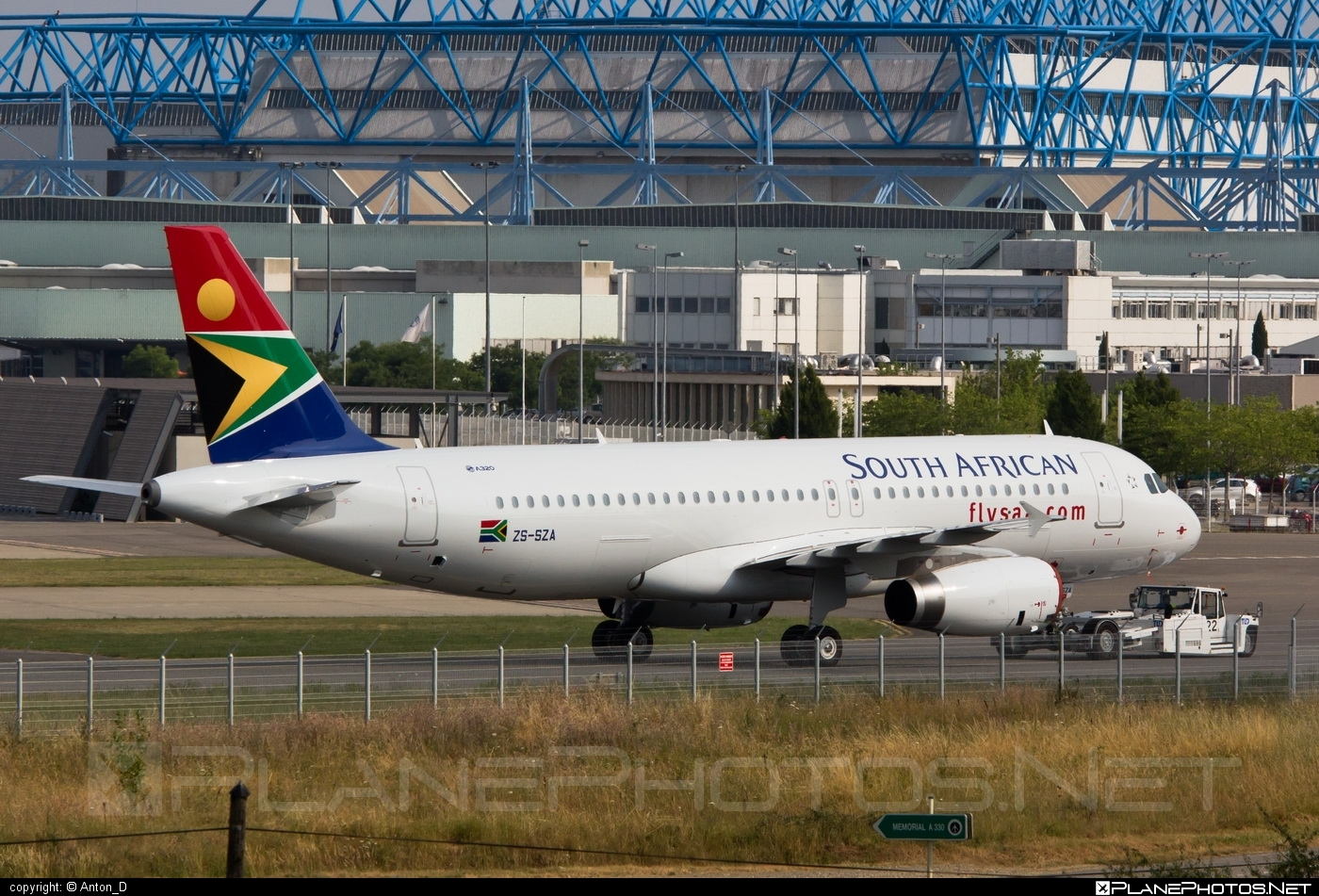 Airbus A320-232 - ZS-SZA operated by South African Airways #a320 #a320family #airbus #airbus320