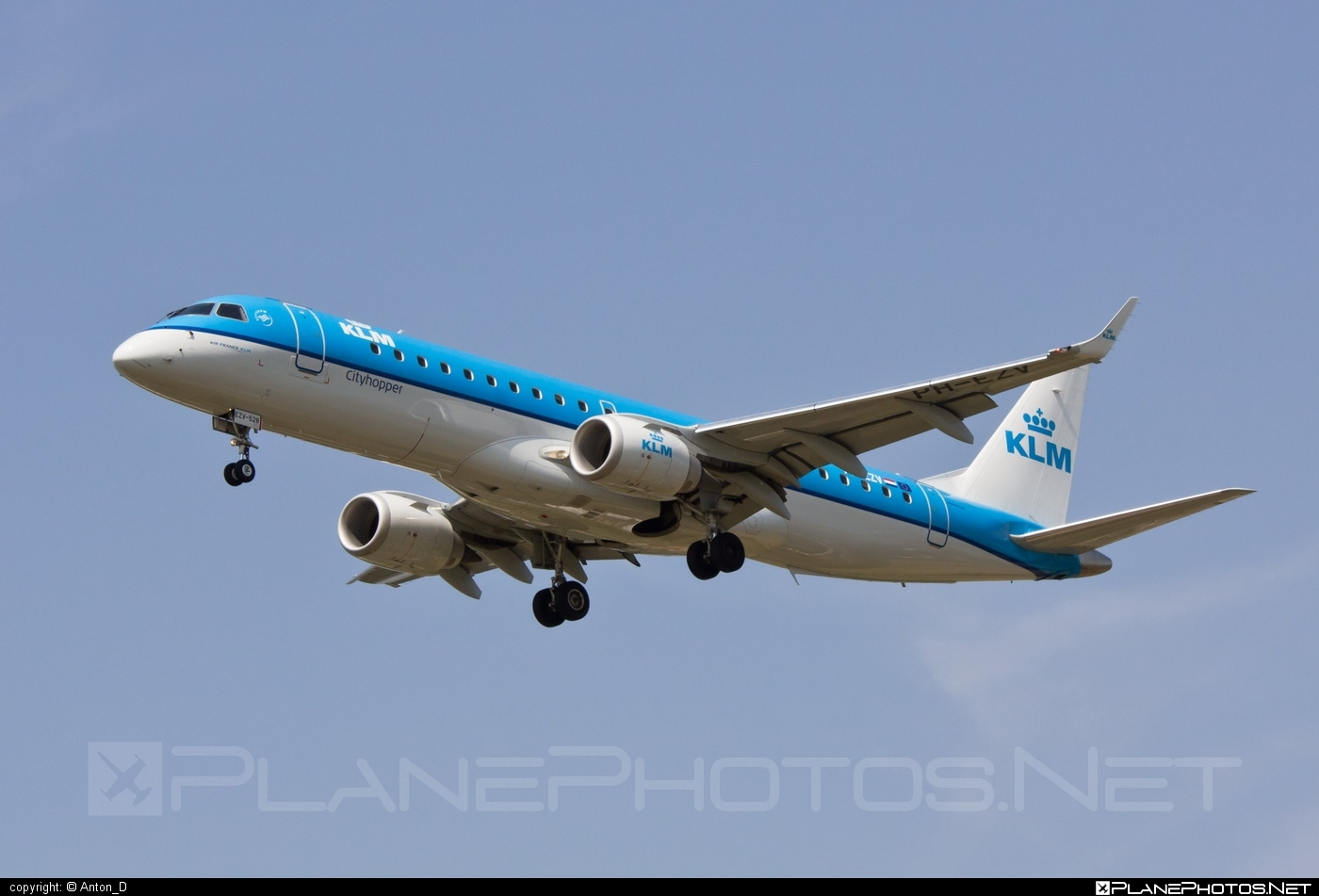 Embraer E190STD (ERJ-190-100STD) - PH-EZV operated by KLM Cityhopper #e190 #e190100 #e190100std #e190std #embraer #embraer190 #embraer190100std #embraer190std #klm #klmcityhopper