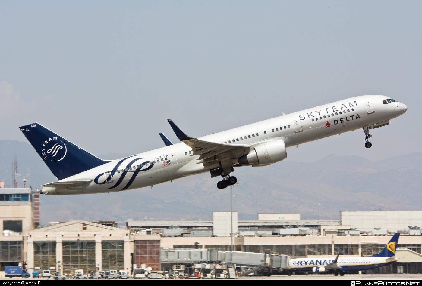 Boeing 757-200 - N717TW operated by Delta Air Lines #b757 #boeing #boeing757 #deltaairlines #skyteam