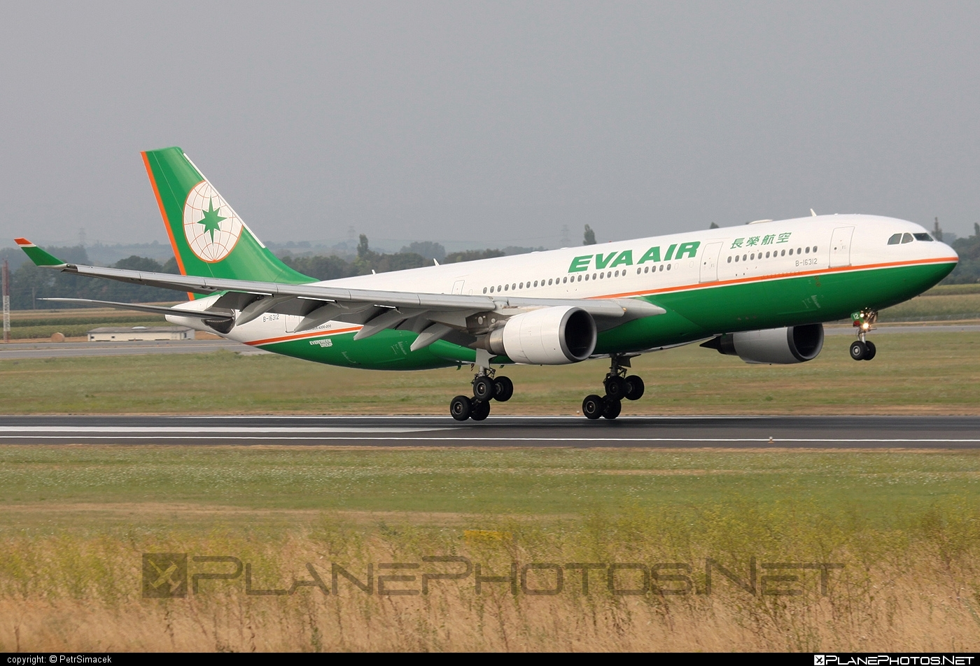 Airbus A330-203 - B-16312 operated by EVA Air #a330 #a330family #airbus #airbus330