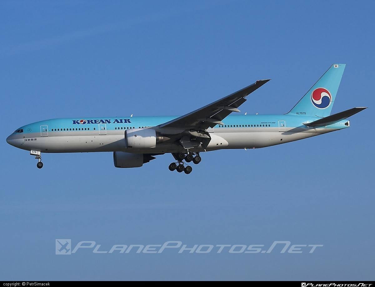 Boeing 777-200ER - HL7575 operated by Korean Air #b777 #b777er #boeing #boeing777 #koreanair #tripleseven