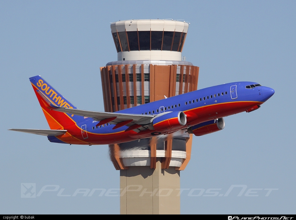 Boeing 737-700 - N454WN operated by Southwest Airlines #b737 #b737nextgen #b737ng #boeing #boeing737 #southwestairlines