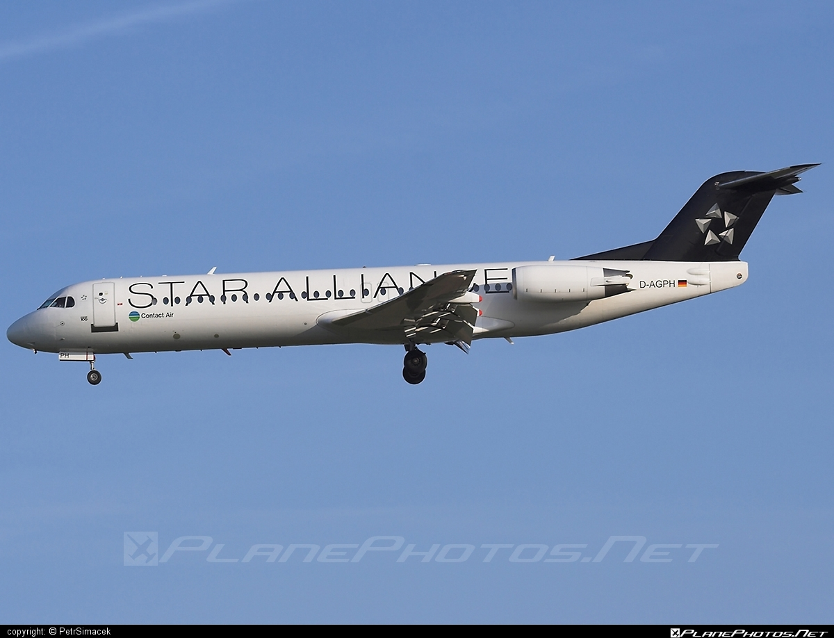 Fokker 100 - D-AGPH operated by Contact Air #fokker #fokker100 #staralliance