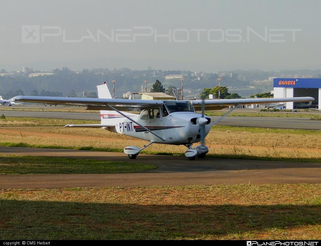 Cessna 172M Skyhawk - PT-INT operated by Aeroclube de Jundiaí #cessna #cessna172 #cessna172m #cessna172mskyhawk #cessna172skyhawk #cessnaskyhawk