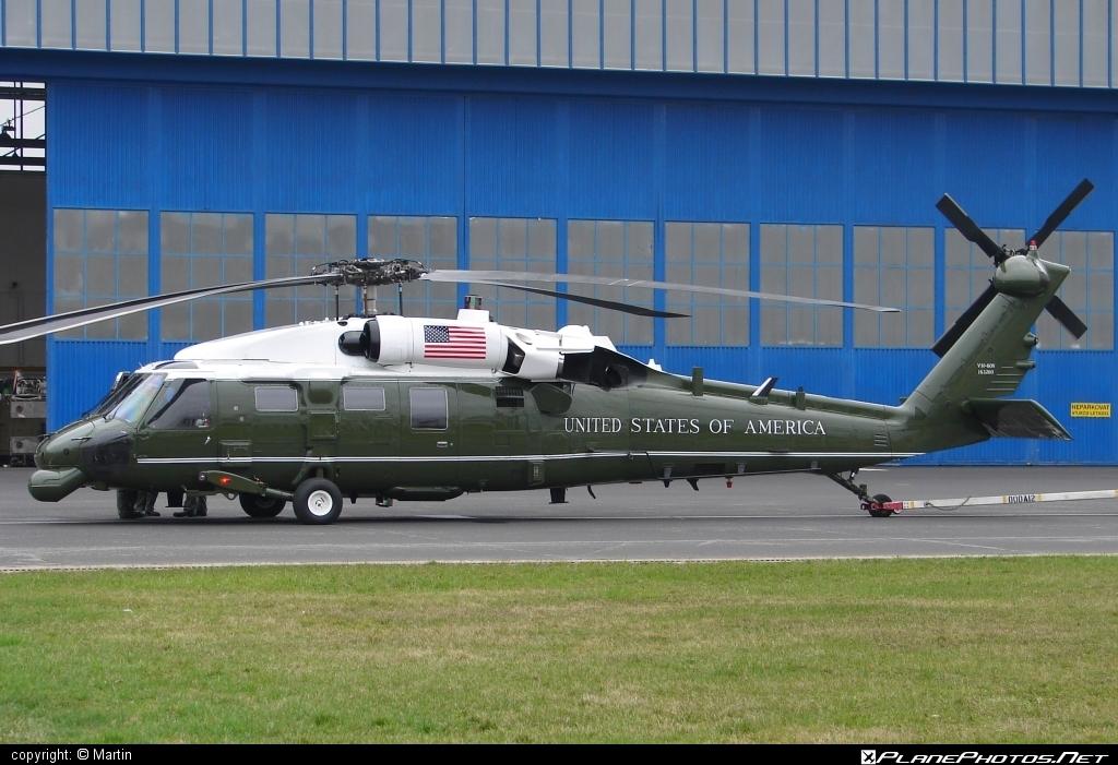 Sikorsky VH-60N Whitehawk - 163260 operated by US Marine Corps (USMC) #sikorsky