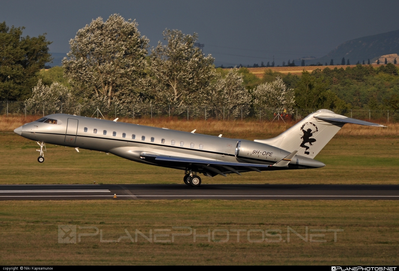 Bombardier Global Express XRS (BD-700-1A10) - 9H-OPE operated by VistaJet #bd7001a10 #bombardier #bombardierglobalexpressxrs #globalexpress #globalexpressxrs #vistajet