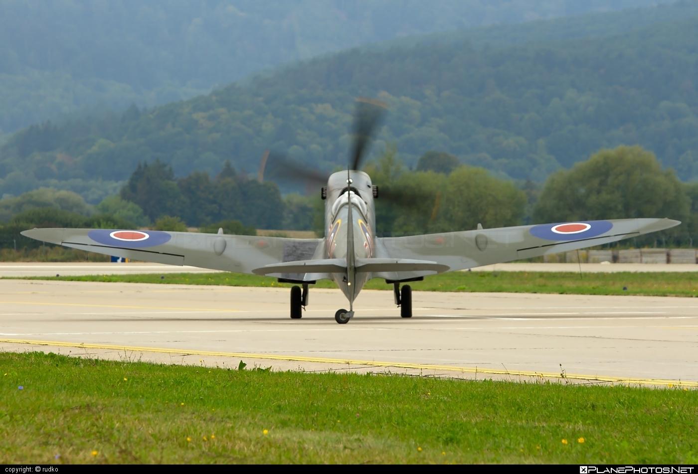 Supermarine Spitfire LF Mk.XVIe - G-MXVI operated by Private operator #spitfire #spitfirelfmkxvie #supermarine #supermarinespitfire #supermarinespitfirelfmkxvie