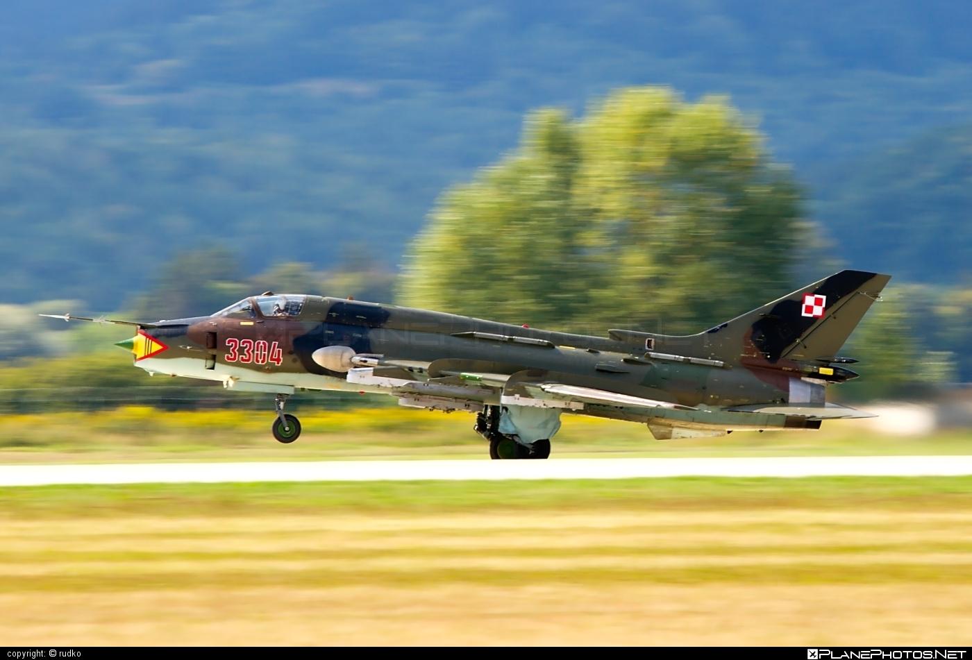 Sukhoi Su-22M4 - 3304 operated by Siły Powietrzne Rzeczypospolitej Polskiej (Polish Air Force) #polishairforce #silypowietrzne #sukhoi