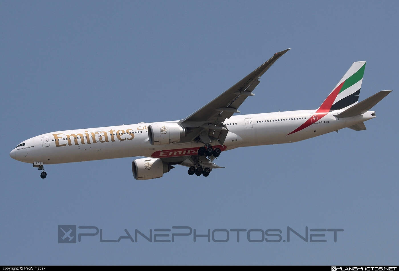 Boeing 777-300ER - A6-ECD operated by Emirates #b777 #b777er #boeing #boeing777 #emirates #tripleseven