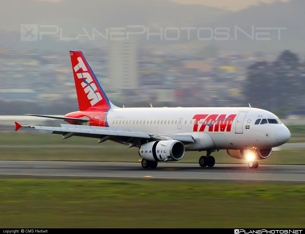 Airbus A319-132 - PR-MBN operated by TAM Linhas Aéreas #a319 #a320family #airbus #airbus319 #tam #tamairlines #tamlinhasaereas
