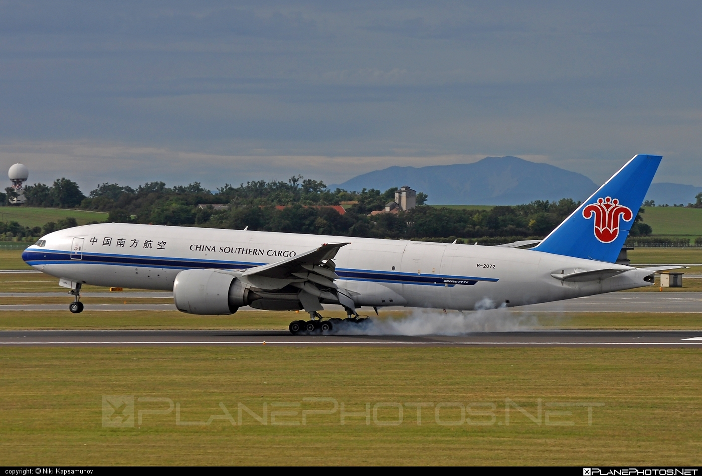 Boeing 777F - B-2072 operated by China Southern Cargo #b777 #b777f #b777freighter #boeing #boeing777 #tripleseven