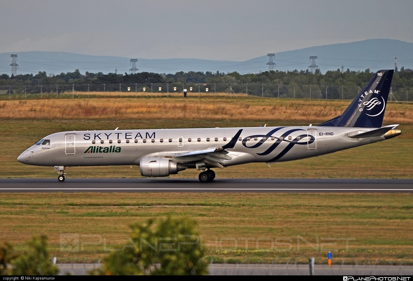 Embraer E190LR (ERJ-190-100LR) - EI-RND operated by Alitalia CityLiner #e190 #e190100 #e190100lr #e190lr #embraer #embraer190 #embraer190100lr #embraer190lr #skyteam
