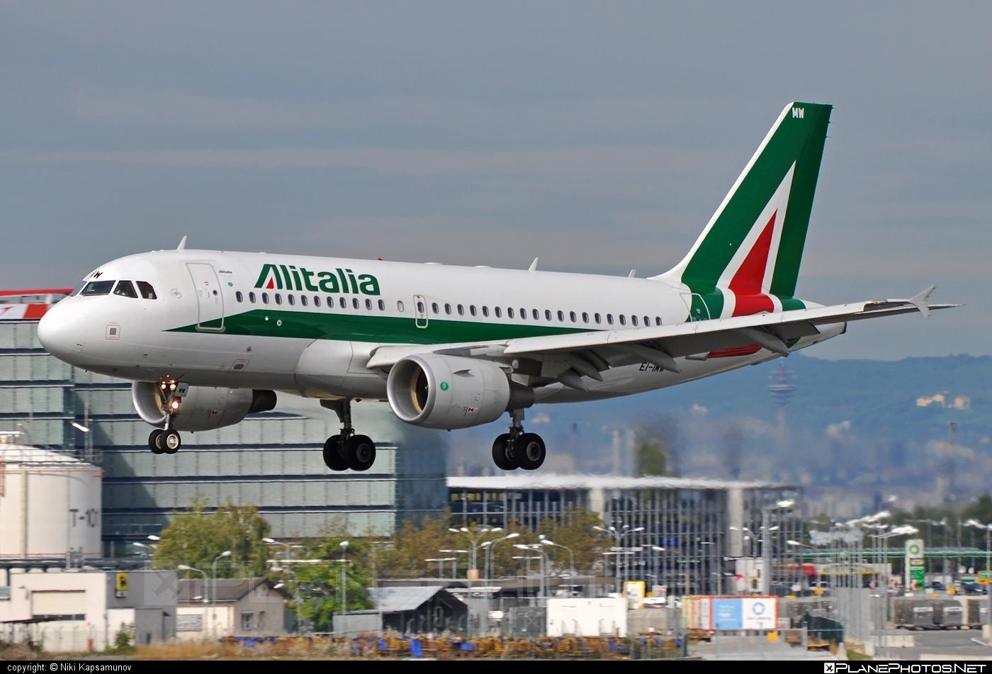 Airbus A319-111 - EI-IMW operated by Alitalia #a319 #a320family #airbus #airbus319 #alitalia