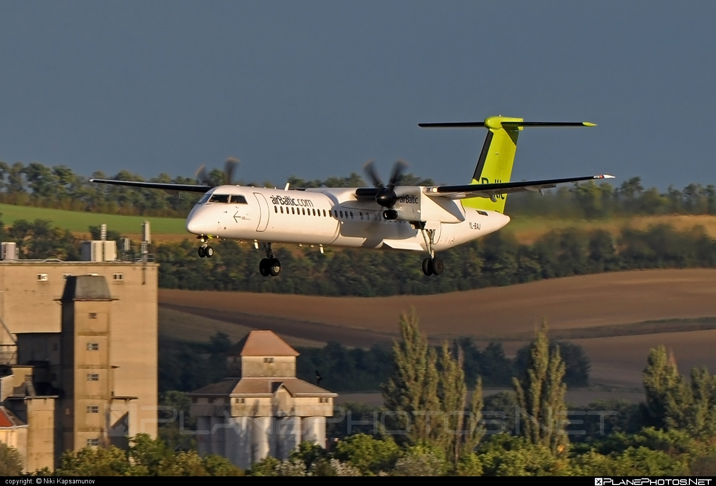Bombardier DHC-8-Q402 Dash 8 - YL-BAJ operated by Air Baltic #airbaltic #bombardier