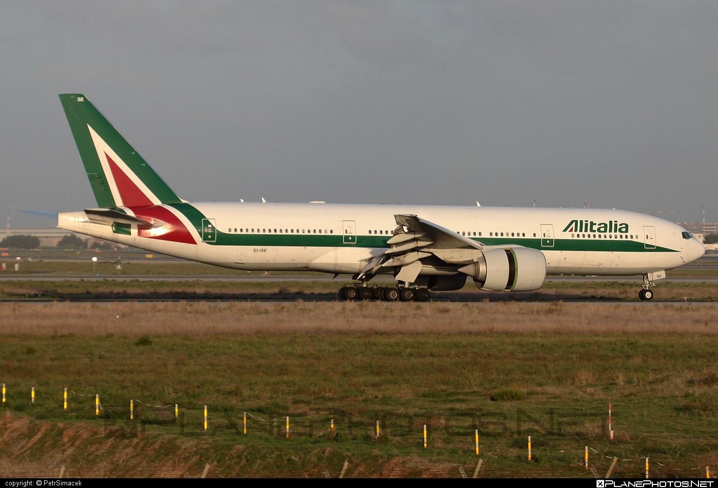 Boeing 777-200ER - EI-ISE operated by Alitalia #alitalia #b777 #b777er #boeing #boeing777 #tripleseven
