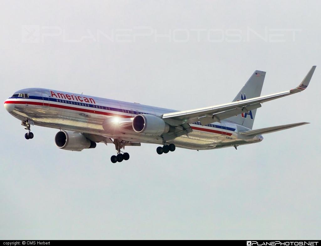 American Airlines Boeing 767-300 - N382AN #americanairlines #b767 #boeing