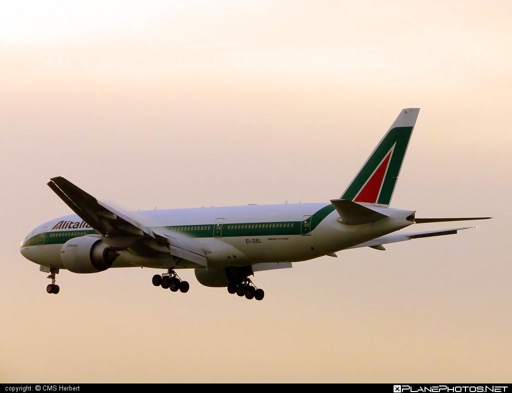 Boeing 777-200ER - EI-DBL operated by Alitalia #alitalia #b777 #b777er #boeing #boeing777 #tripleseven