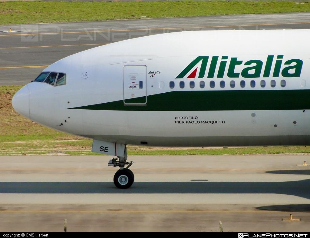 Boeing 777-200ER - I-DISE operated by Alitalia #alitalia #b777 #b777er #boeing #boeing777 #tripleseven