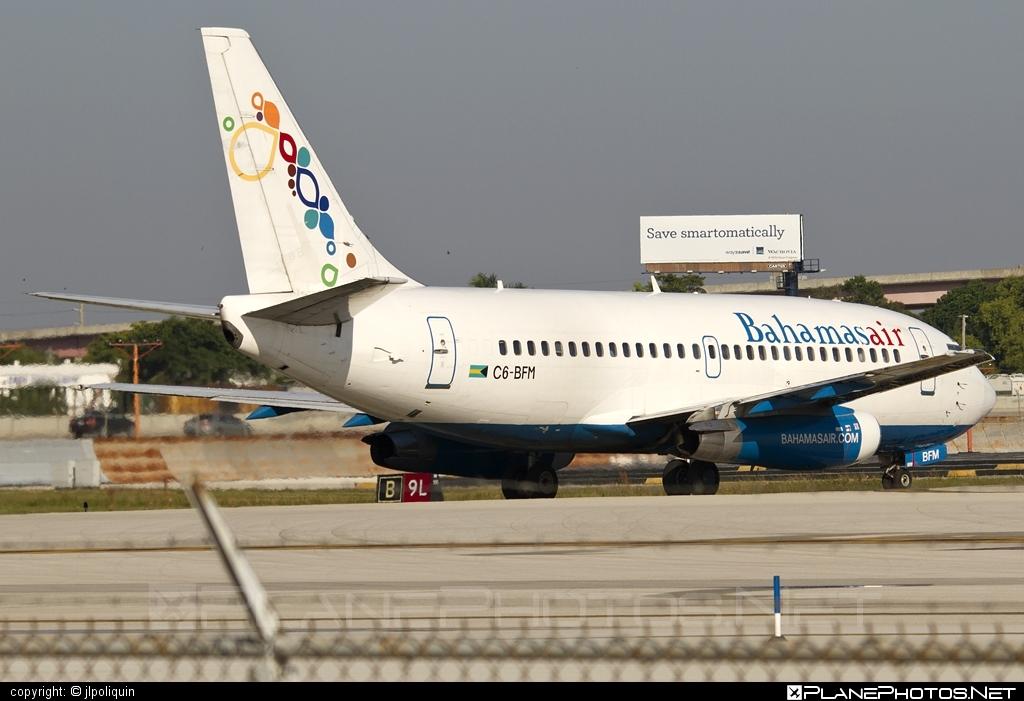 Boeing 737-200 - C6-BFM operated by Bahamasair #b737 #boeing #boeing737