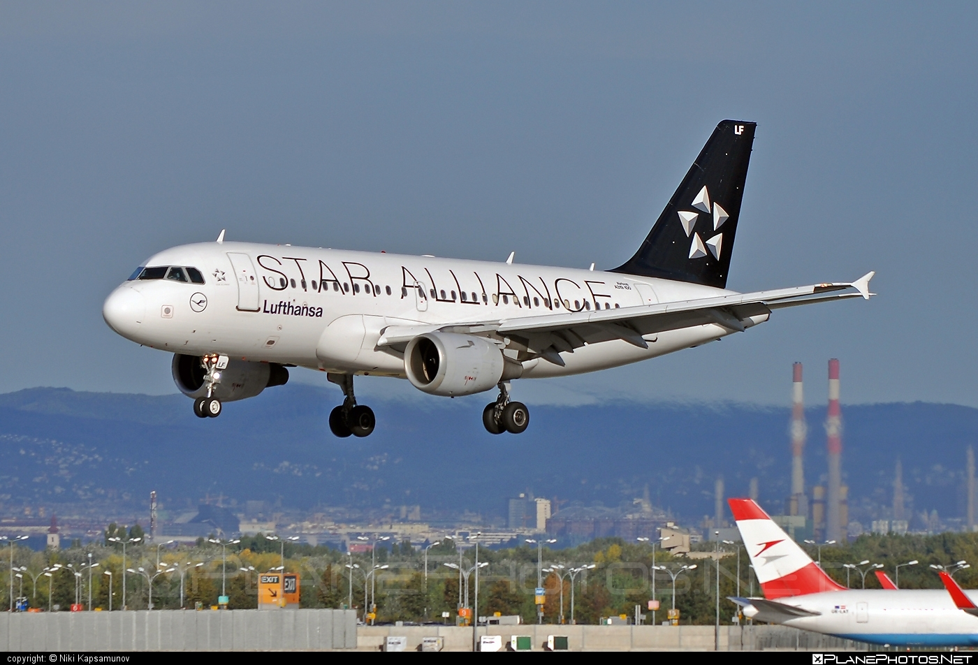 Airbus A319-114 - D-AILF operated by Lufthansa #a319 #a320family #airbus #airbus319 #lufthansa #staralliance