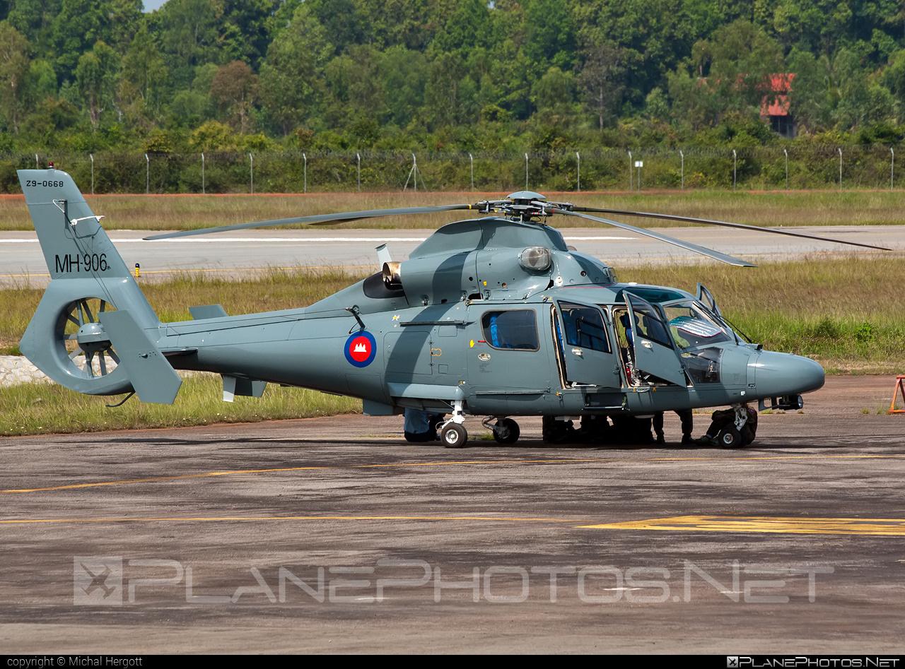Harbin H425 - MH-906 operated by Kangtrop Akas Khemarak Phumin (Royal Cambodian Air Force) #harbin
