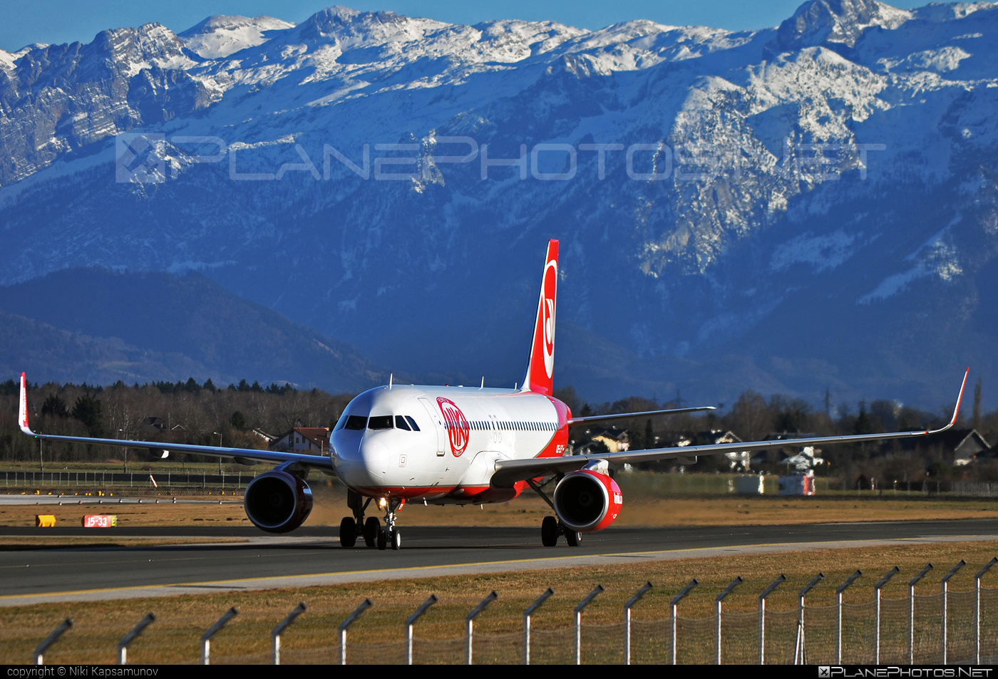 Airbus A320-214 - OE-LEY operated by Niki #a320 #a320family #airbus #airbus320 #flyniki #niki