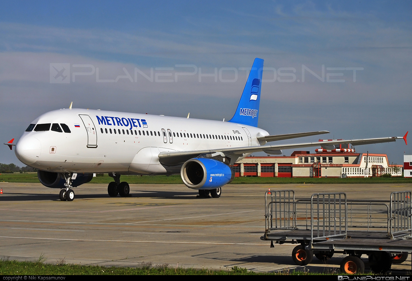 Airbus A320-232 - EI-FDL operated by MetroJet #a320 #a320family #airbus #airbus320