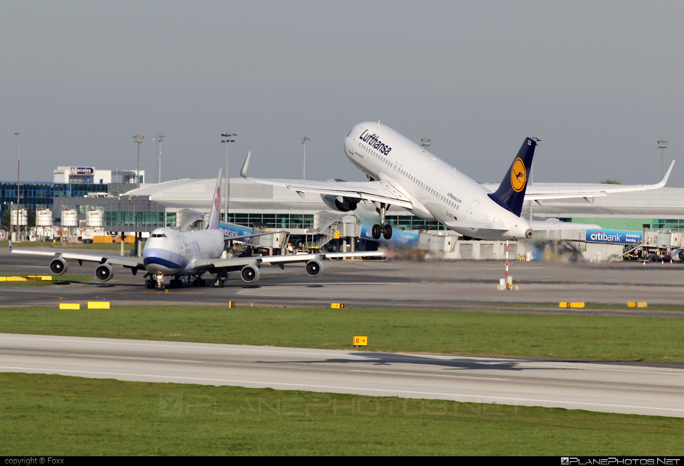 Airbus A320-214 - D-AIZX operated by Lufthansa #a320 #a320family #airbus #airbus320 #lufthansa