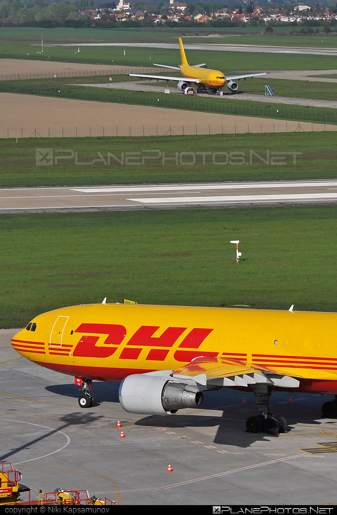 Airbus A300B4-622RF - D-AEAG operated by DHL Cargo #a300 #airbus