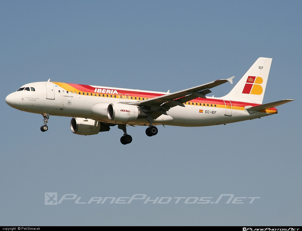 Airbus A320-214 - EC-IEF operated by Iberia #a320 #a320family #airbus #airbus320 #iberia
