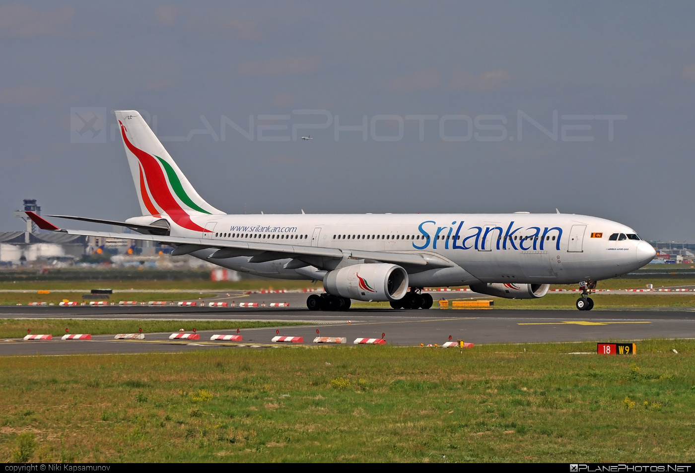 Airbus A330-243 - 4R-ALC operated by SriLankan Airlines #a330 #a330family #airbus #airbus330