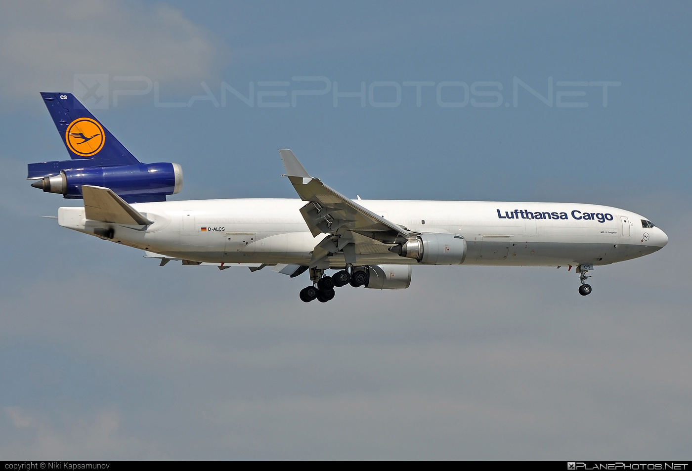 McDonnell Douglas MD-11F - D-ALCS operated by Lufthansa Cargo #lufthansa #lufthansacargo #mcdonnelldouglas #mcdonnelldouglas11 #mcdonnelldouglas11f #mcdonnelldouglasmd11 #mcdonnelldouglasmd11f #md11 #md11f