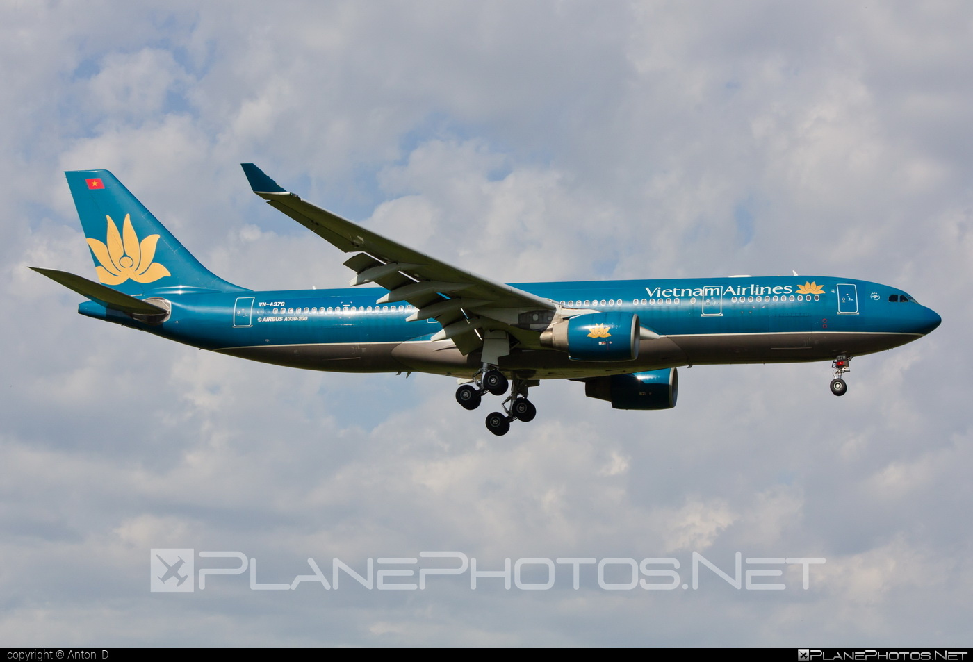 Airbus A330-223 - VN-A378 operated by Vietnam Airlines #a330 #a330family #airbus #airbus330