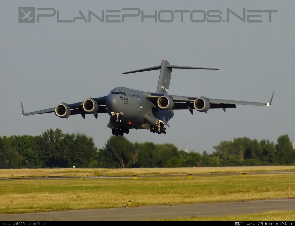Boeing C-17A Globemaster III - 06-6164 operated by US Air Force (USAF) #boeing #c17 #c17globemaster #globemaster #globemasteriii #usaf #usairforce