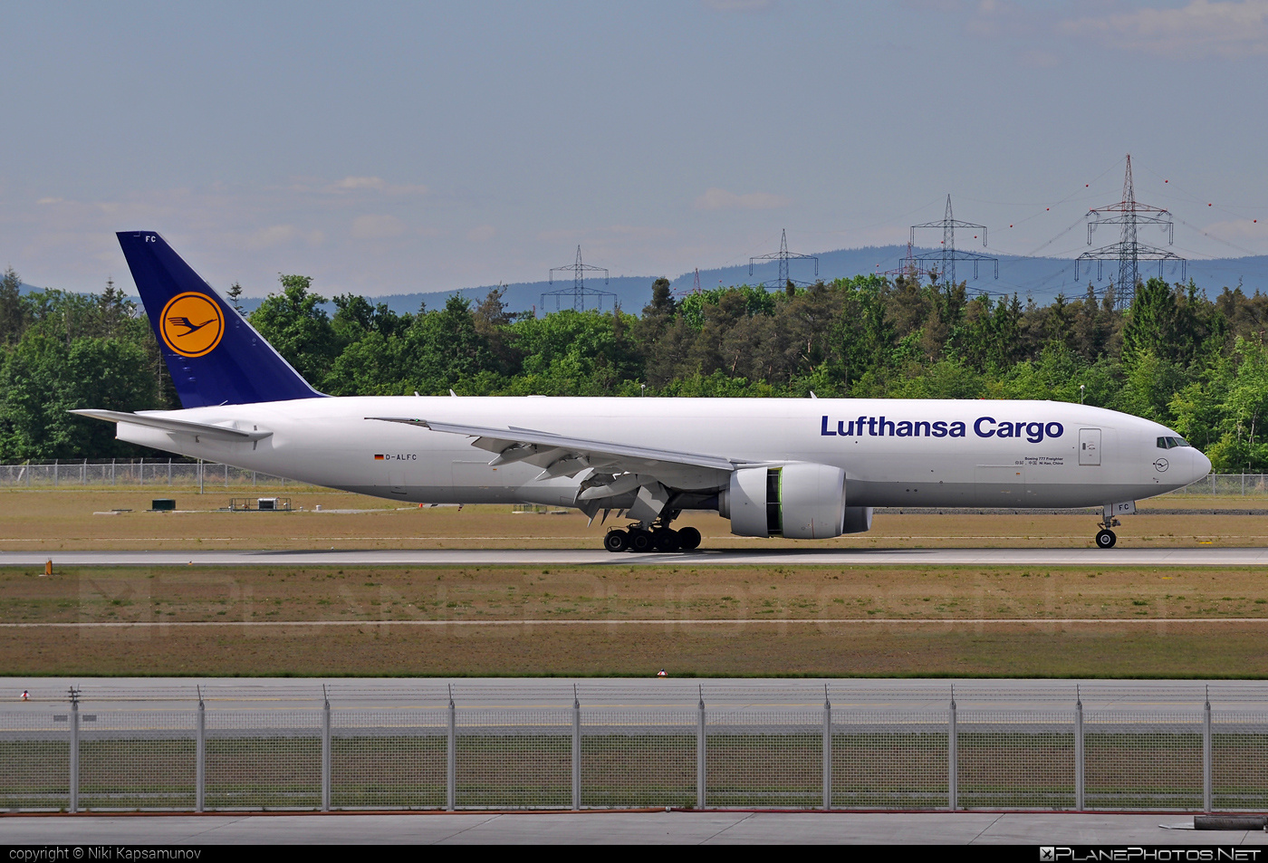 Boeing 777F - D-ALFC operated by Lufthansa Cargo #b777 #b777f #b777freighter #boeing #boeing777 #lufthansa #lufthansacargo #tripleseven
