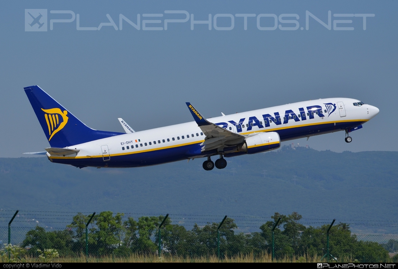 Boeing 737-800 - EI-DHY operated by Ryanair #b737 #b737nextgen #b737ng #boeing #boeing737 #ryanair