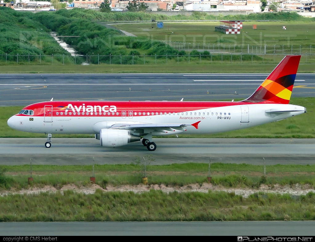 Airbus A320-214 - PR-AVU operated by Avianca Brasil #a320 #a320family #airbus #airbus320 #avianca #aviancabrasil