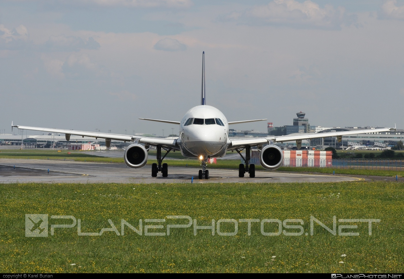 Airbus A321-231 - D-AIDG operated by Lufthansa #a320family #a321 #airbus #airbus321 #lufthansa
