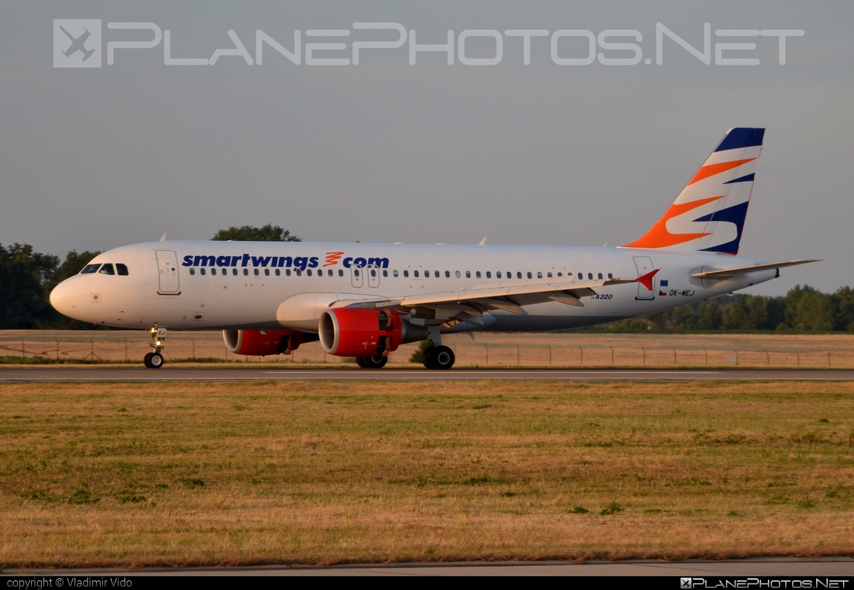 Airbus A320-214 - OK-MEJ operated by Smart Wings #a320 #a320family #airbus #airbus320 #smartwings