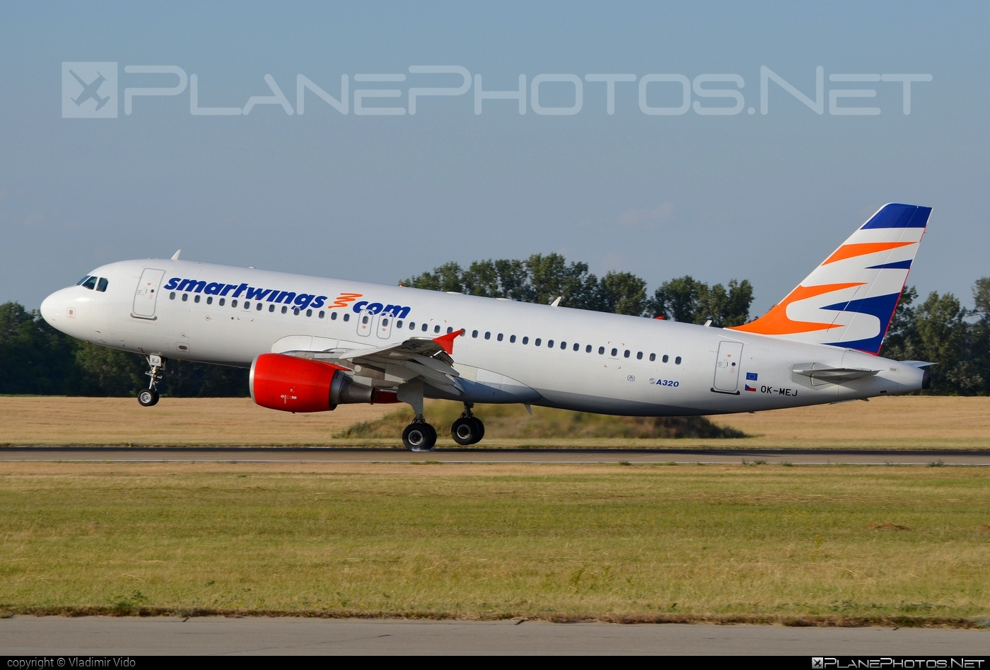 Smart Wings Airbus A320-214 - OK-MEJ #a320 #a320family #airbus #airbus320 #smartwings
