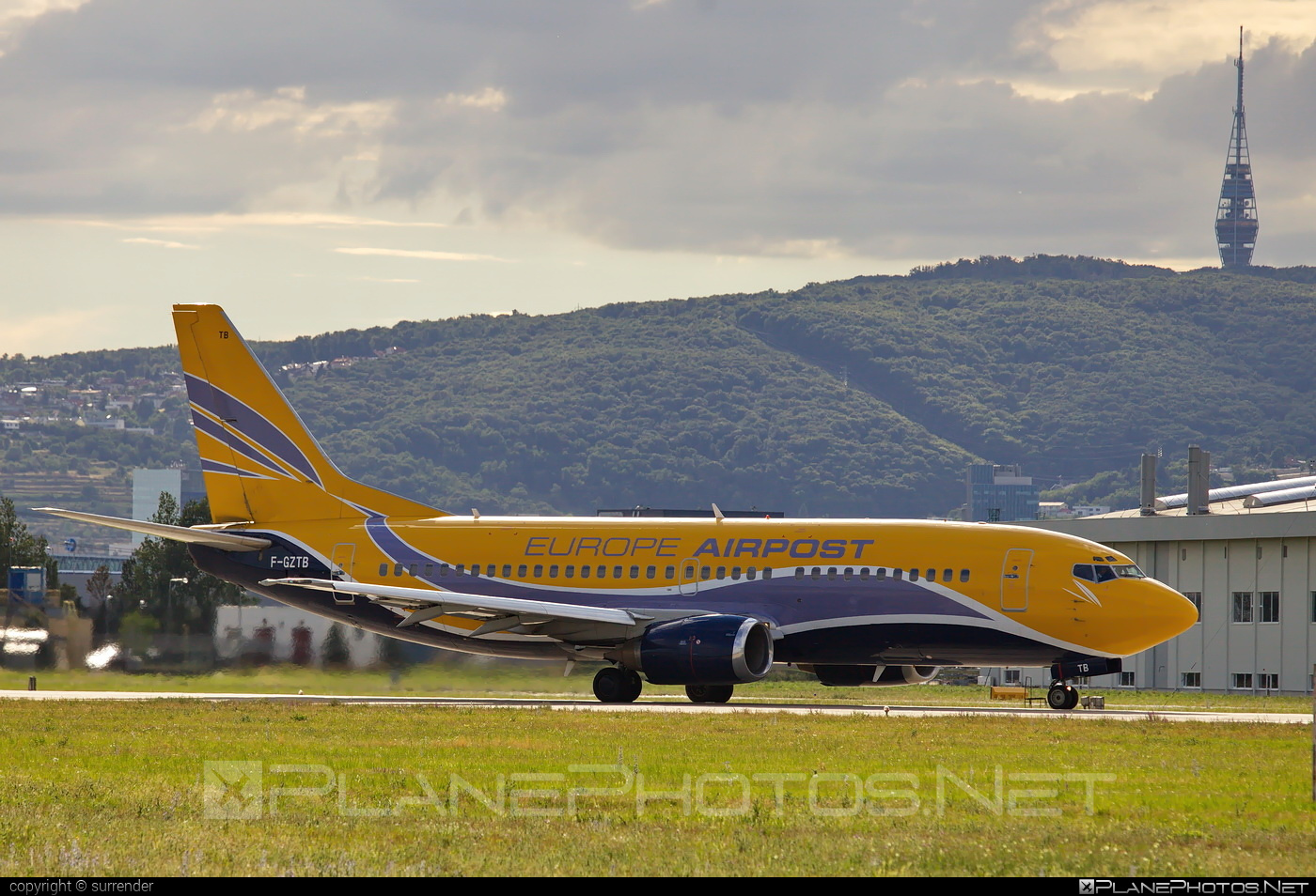 Boeing 737-300QC - F-GZTB operated by Europe Airpost #b737 #b737qc #boeing #boeing737